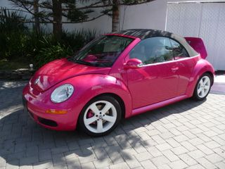 Hot Pink Slug Bugs http://alldolldup.typepad.com/all_dolld_up/read-my-lips/