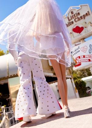 Little White Wedding Chapel.All Doll D Up Barbie At The Little White Wedding Chapel
